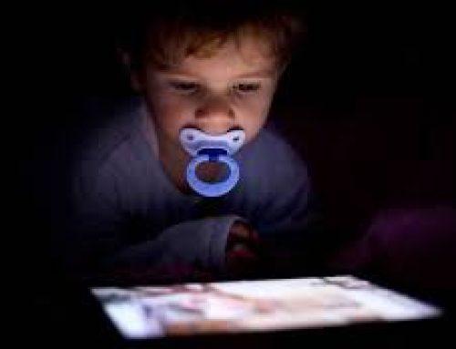 Οι επιπτώσεις στον παιδικό εγκέφαλο από την πολύωρη έκθεση σε οθόνες