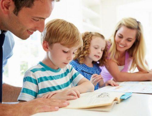 Οι γονείς και τα παιδιά αναπτύσσουν πιο ουσιαστικούς δεσμούς όταν διαβάζουν μαζί ένα έντυπο βιβλίο παρά ένα ηλεκτρονικό